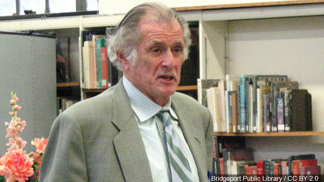 Sportswriter Frank Deford III died May 28, 2017. He was 78. (Bridgeport Public Library/CC BY 2.0/MGN Online)<p></p>