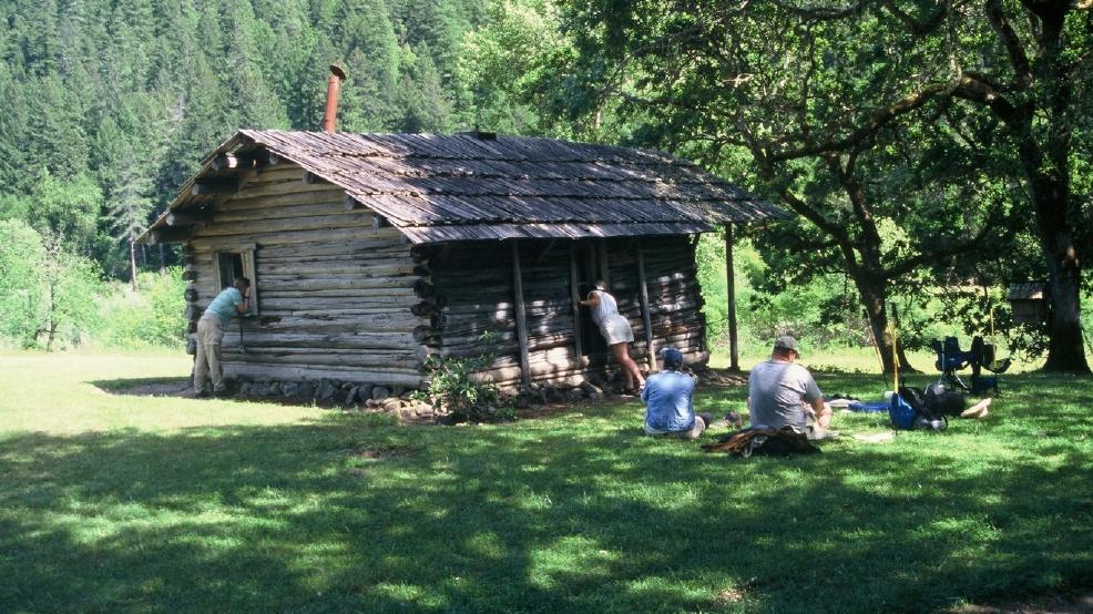 Western novelist zane grey 39 s oregon cabin added to for Cabins near portland oregon