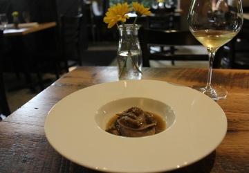 5 Of Seattle S Best New Date Night Restaurants Seattle Refined