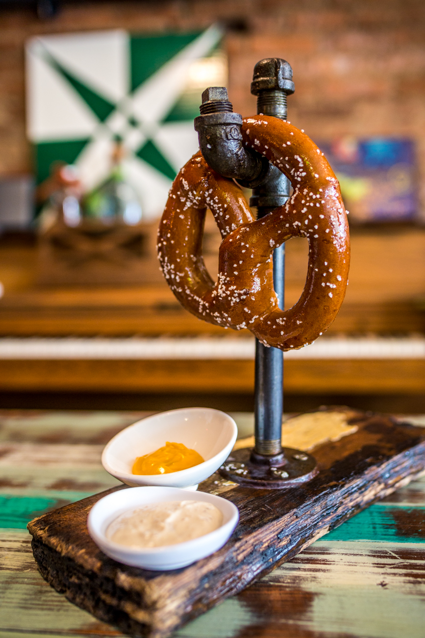 The Titanic: jumbo warm pretzel with oven roasted garlic dip and nacho cheese dip / Image: Catherine Viox // Published: 9.1.19