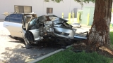 Man hospitalized after crashing into tree in east Bakersfield