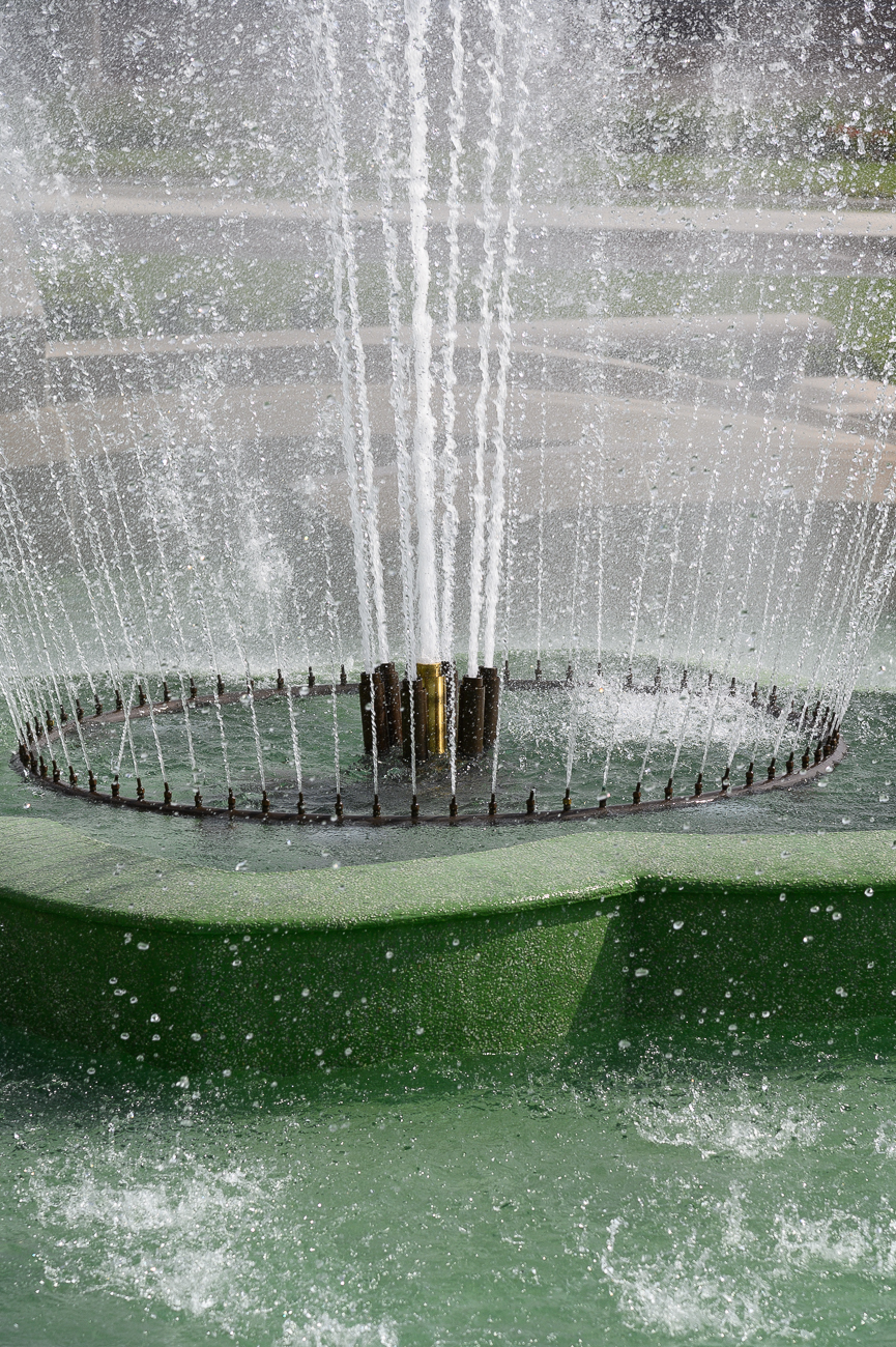 The fountain spews 2.4 million gallons of water per day. / Image: Phil Armstrong // Published: 5.17.19