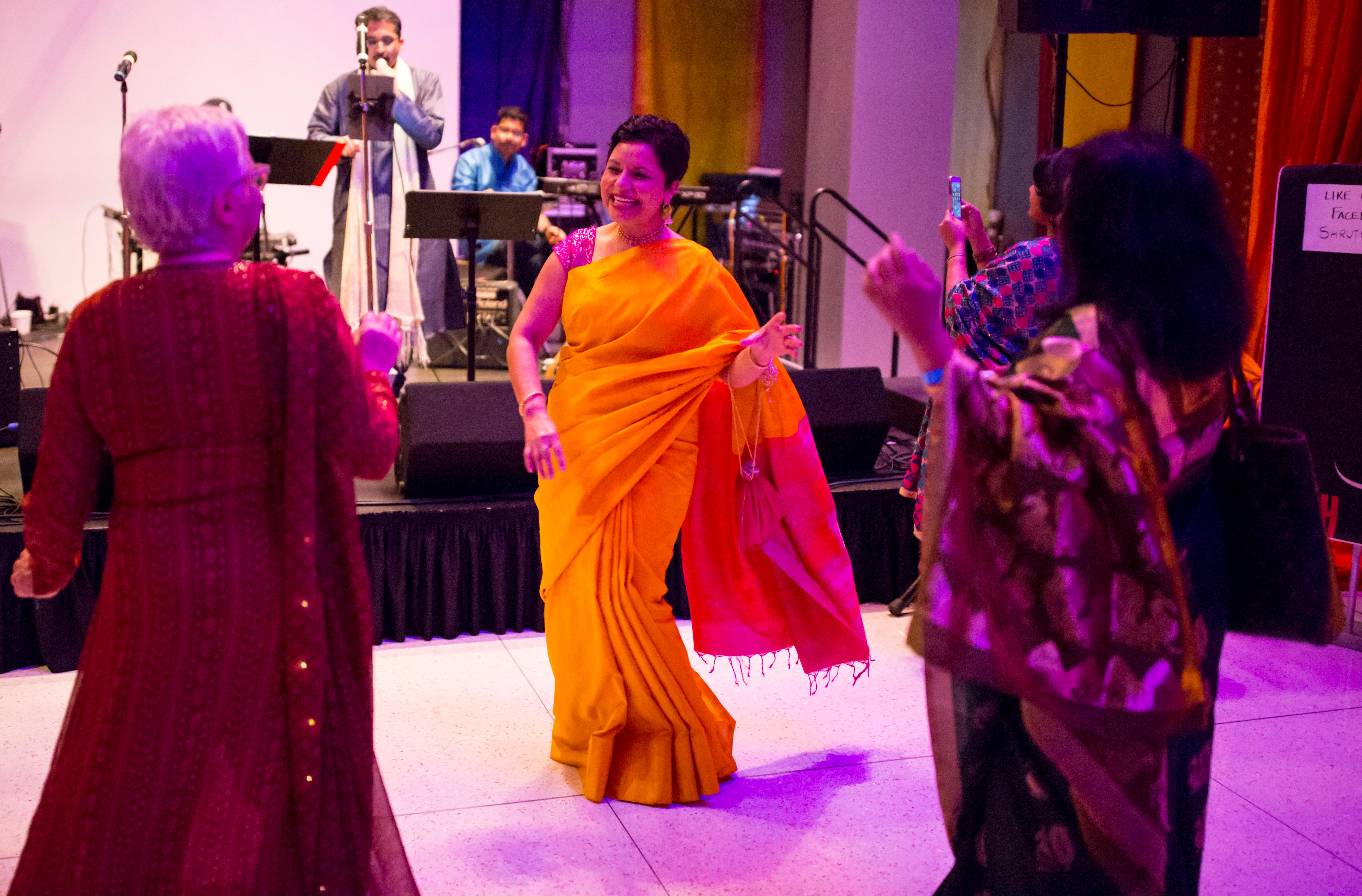 The Seattle Art Museum held their 10th annual Diwali Ball, celebrating India's Festival of Lights on Saturday, October 14 2017. Diwali is a festival of joy celebrating the triumph of good over evil. The high energy celebration featured henna, dancing, signature cocktails, and fortune tellers for the excited attendees. (Image: Sy Bean / Seattle Refined)