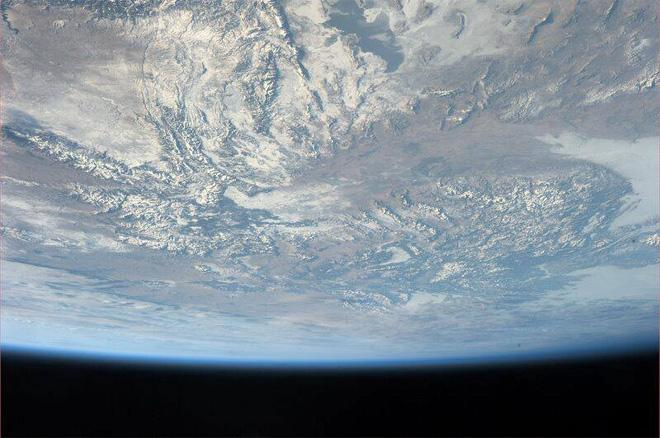 After 3.5 months on ISS & the view never gets old. Great pass over the SW U.S. (Photo & Caption: Mike Hopkins, NASA)