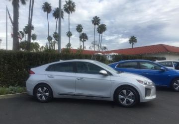 2017 Hyundai Ioniq: A three-prong approach to electrified vehicles [First Look]