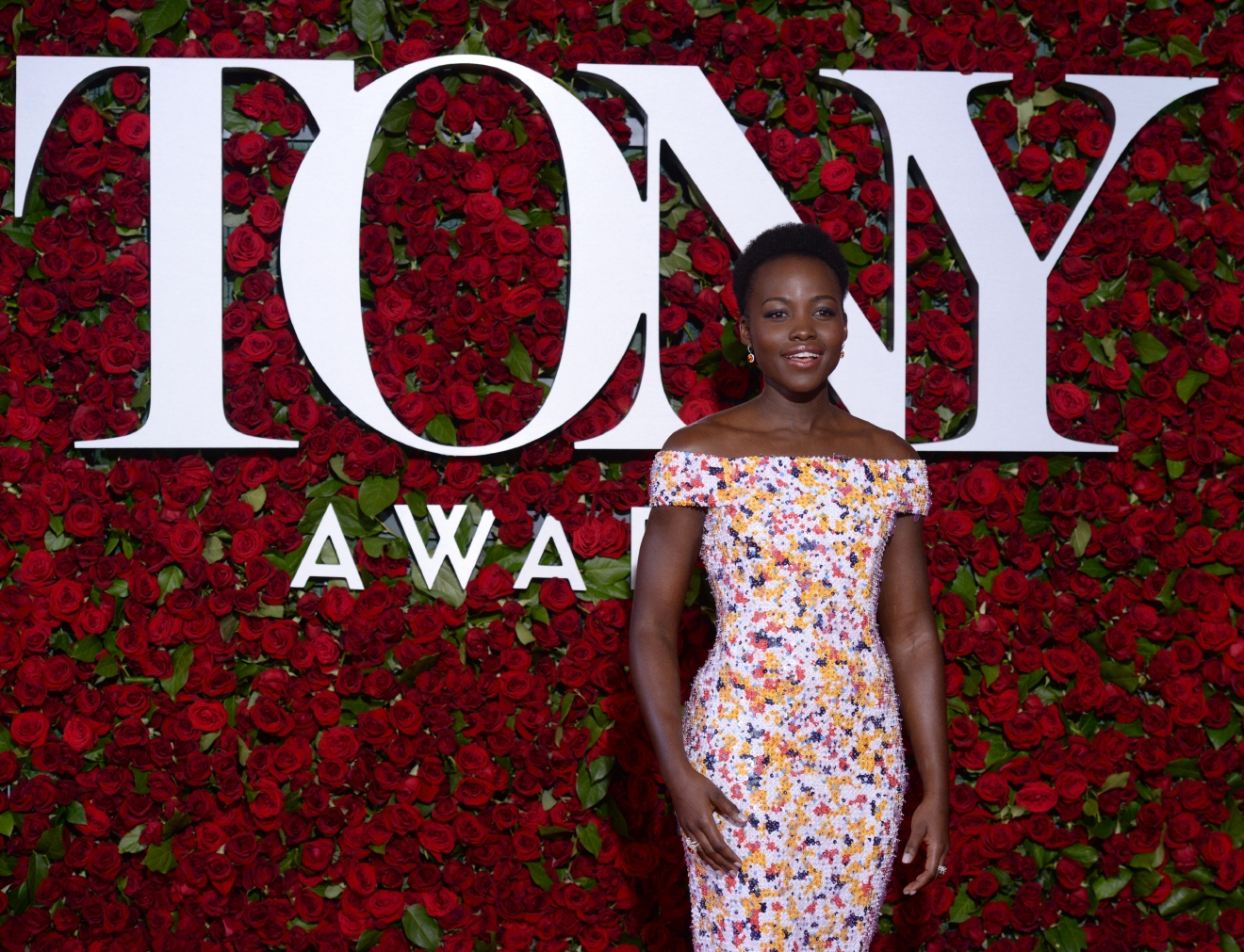Lupita Nyong'o arrives at the Tony Awards at the Beacon Theatre on Sunday, June 12, 2016, in New York. (Photo by Charles Sykes/Invision/AP)