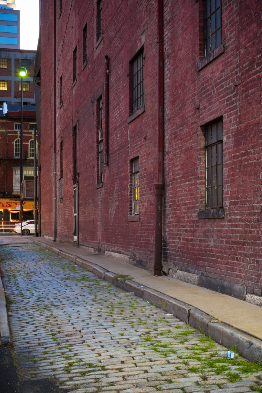 NAME: Whetstone Alley / CONNECTS: Main Street to Pancoast Alley / NEIGHBORHOOD: Downtown / Image: Phil Armstrong, Cincinnati Refined