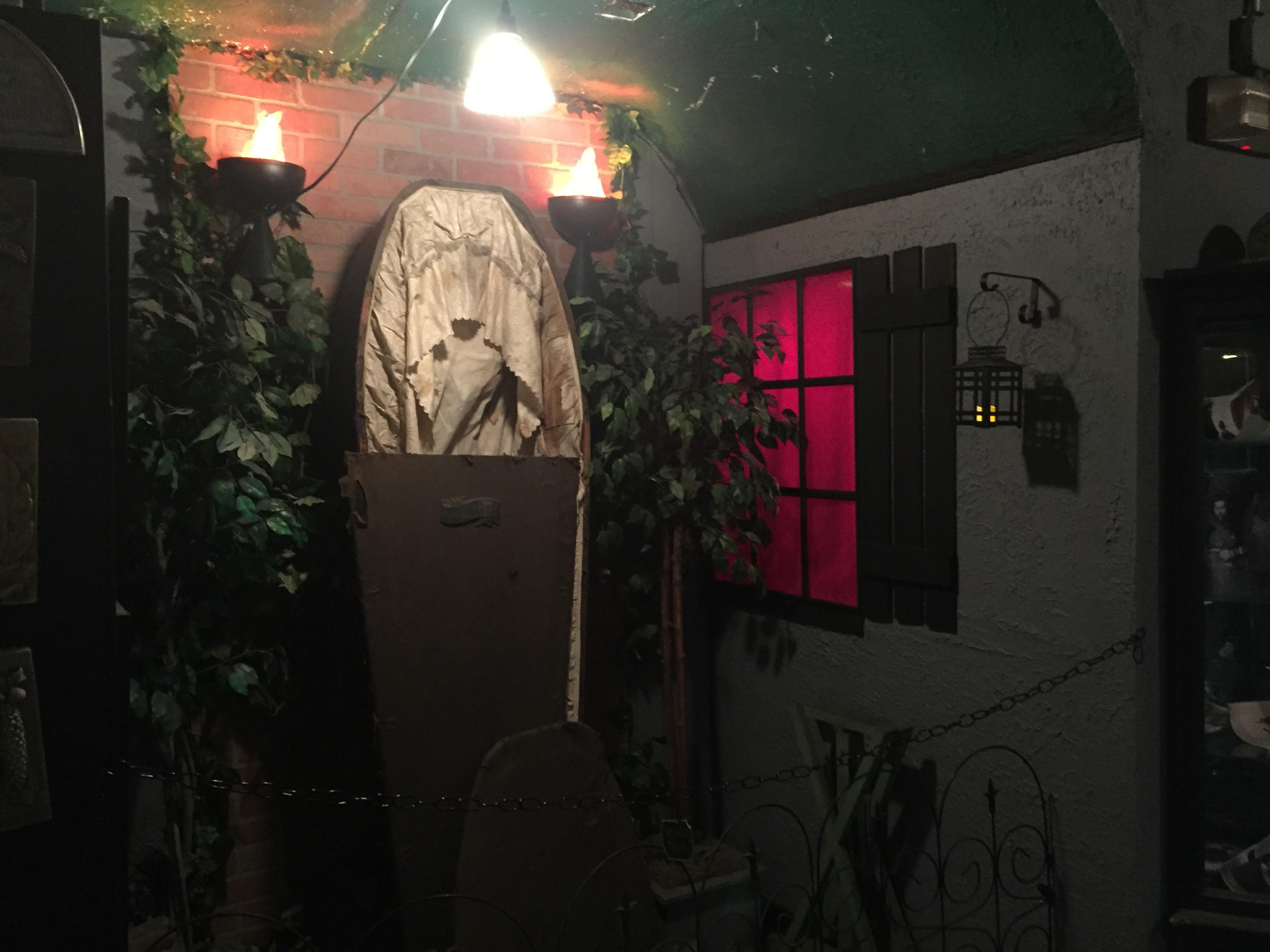 Down a dark stairway,  there's something scary in the shadows. It's a museum of the macabre for those brave souls departing on the Spooked in Seattle Tour. (Image: Seattle Refined)