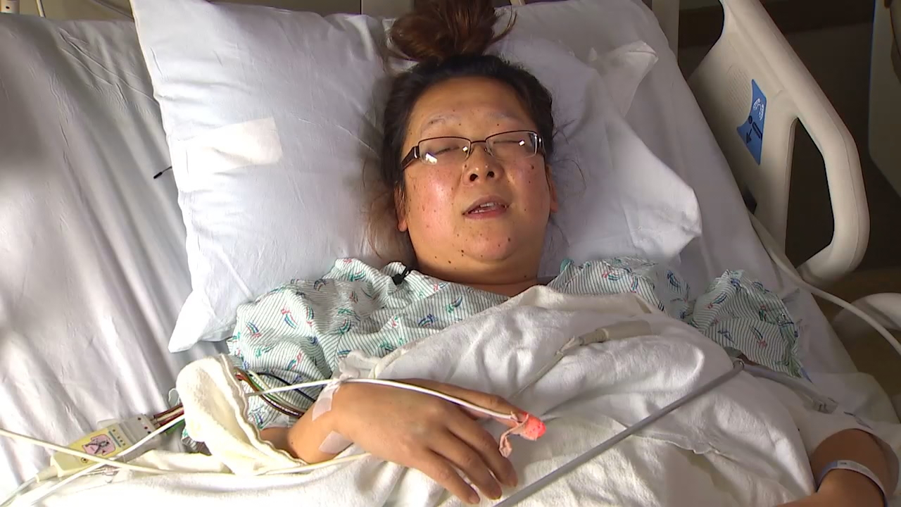 Meg Spikes broke her back in an escape from the fire. But she says she feels lucky. (Photo: KOMO News)<p></p>