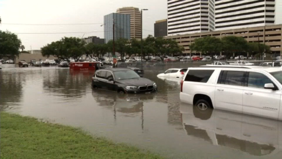 Several drivers rescued following heavy flooding in Corpus Christi