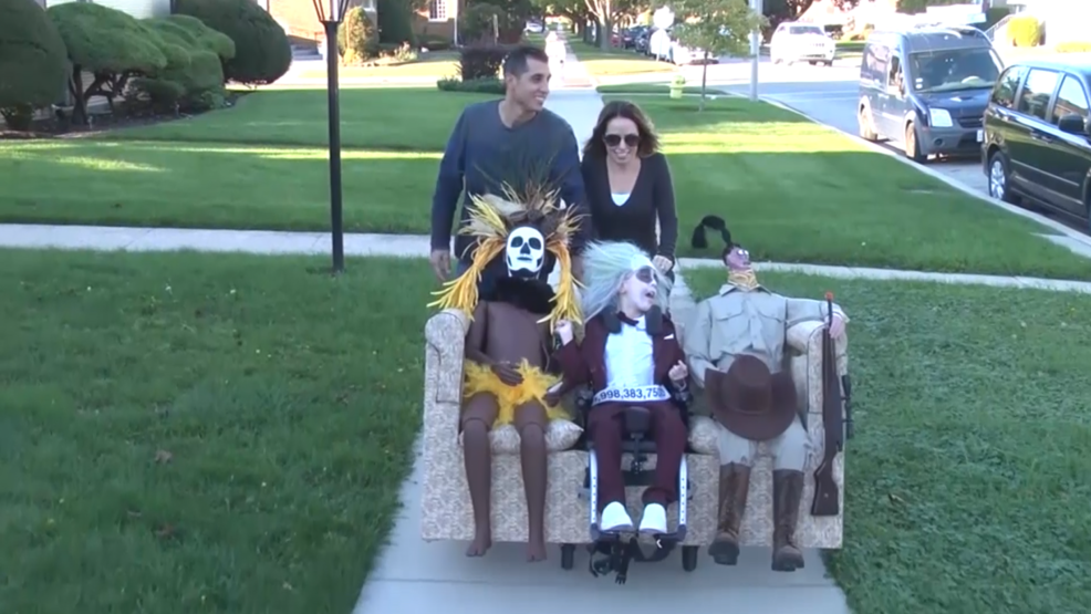 9 Year Old Living With Cerebral Palsy Has Amazing Beetlejuice Themed Costume Wkrc