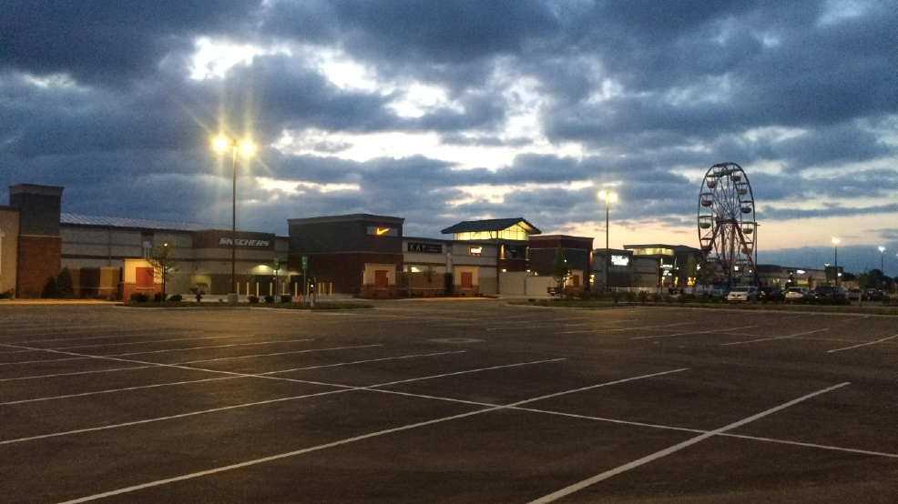 special savings as tanger outlets opens in delaware county wsyx. Black Bedroom Furniture Sets. Home Design Ideas