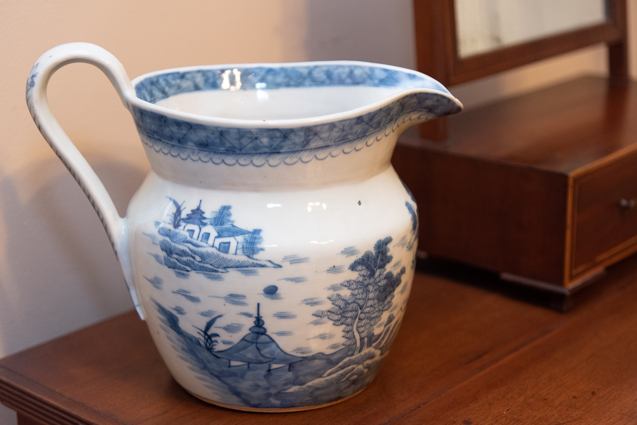 Chinese Canton porcelain, which was popular in the United States in the 1800s / Image: Phil Armstrong, Cincinnati Refined // Published: 9.6.1