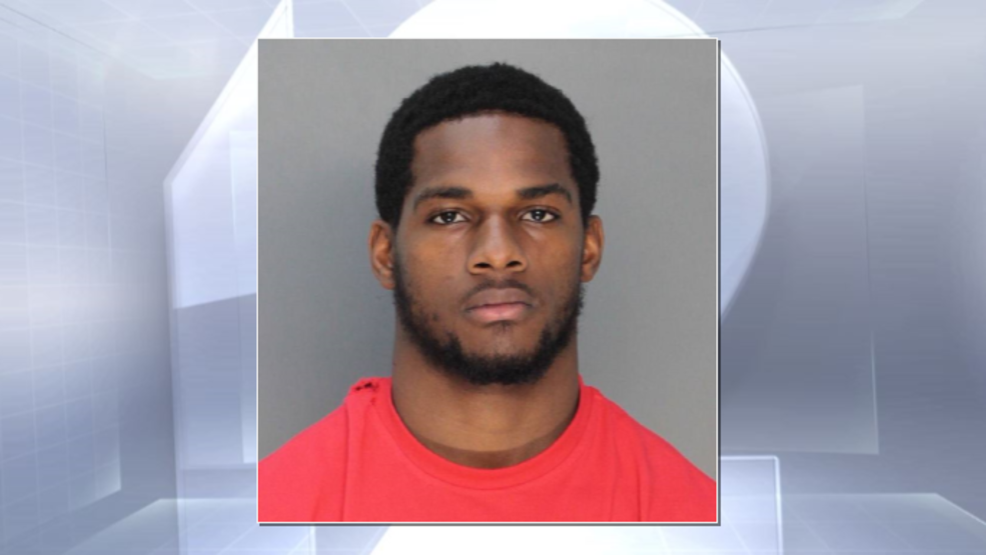 Former Bengals Rb Walton Accused Of Punching Pregnant Woman
