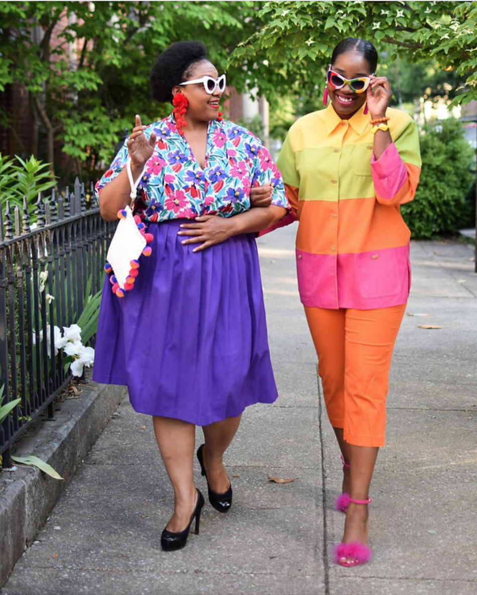 P.S.{ } there's nothing better than exploring bold looks with friends! This is what we call squad goals.  (Image courtesy of @morethanyouraverage)