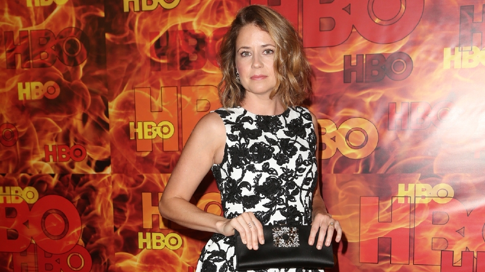 Jenna Fischer from 'The Office' returns to Chili's after 'permanent ban'