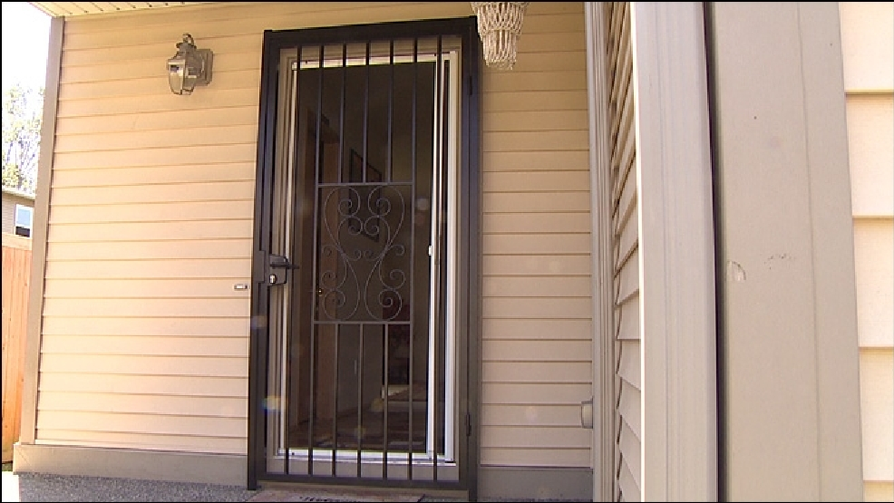 & Burglary victims facing lawsuit for adding bars to their doors | KOMO Pezcame.Com