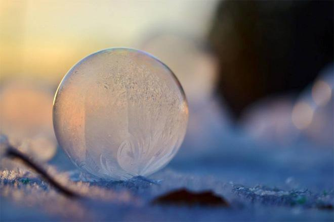 Intricate patterns revealed themselves when bubbles froze during a blast of single digit temperatures around Arlington, Wash. in early December. (Photo courtesy: Angela Kelly, Kelly Images and Photography)