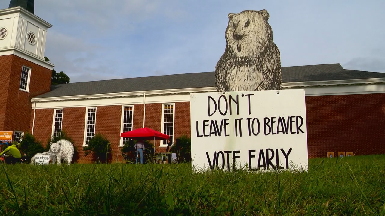 Sept. 19, 2020 - A steady flow of people gathered in front of Kenilworth Presbyterian Church for dancing, pizza and information on voting options in this upcoming election. (Photo credit: WLOS Staff)