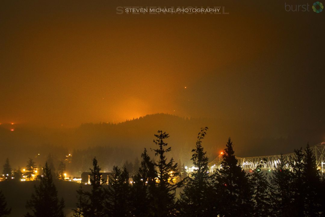 Eagle Creek Fire - Photo from Steven Michael.jpg