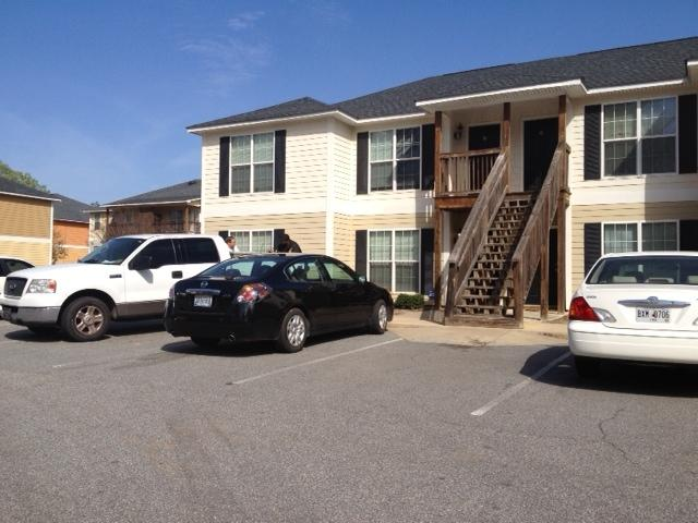 ADDU raided Apt #18 at Hilltop Apartments on Hilltop Road / Sarah Bleau