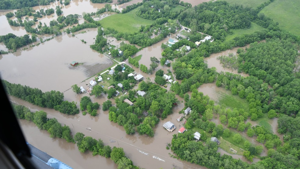 PHOTO GALLERY: Flooded Missouri River swells to threaten local communities