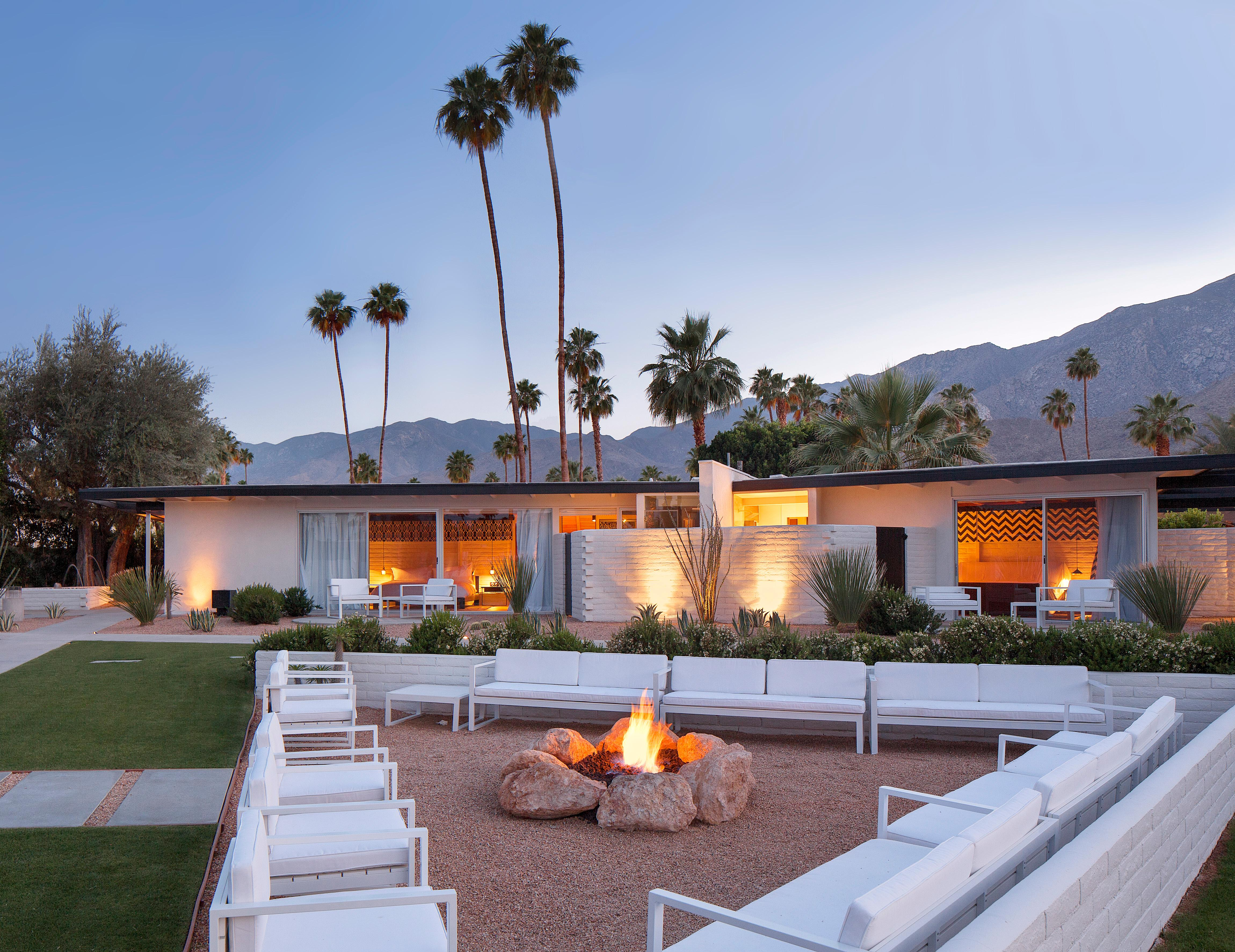 One of the first things you'll notice when you visit Palm Springs is the unique architectural style known as desert modernism.