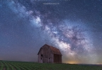 2017-04-03 Milky Way over barn.jpg