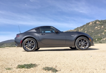 GALLERY: 2017 Mazda MX-5 Retractable Fastback
