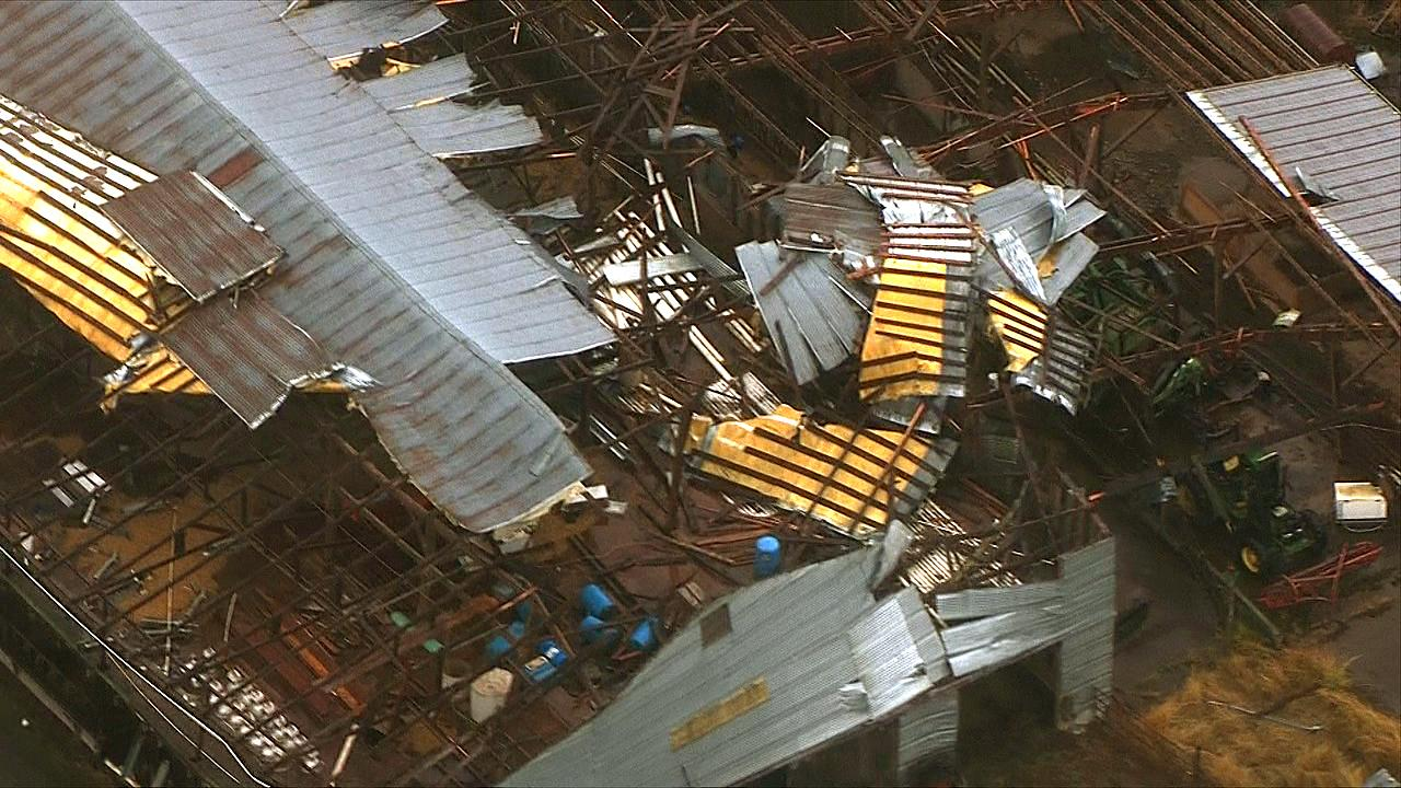 A possible tornado heavily damaged barns in Lacomb, Oregon near Lebanon, Tuesday, Sept. 19, 2017. (Photo: Chopper 2/KATU News)