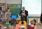 FOX 11's Tom Milbourn speaks to Becky Van Rens' fifth grade class at Jackson Elementary School in Green Bay Oct. 25, 2016, to kick off the Golden Apple Awards nomination process.