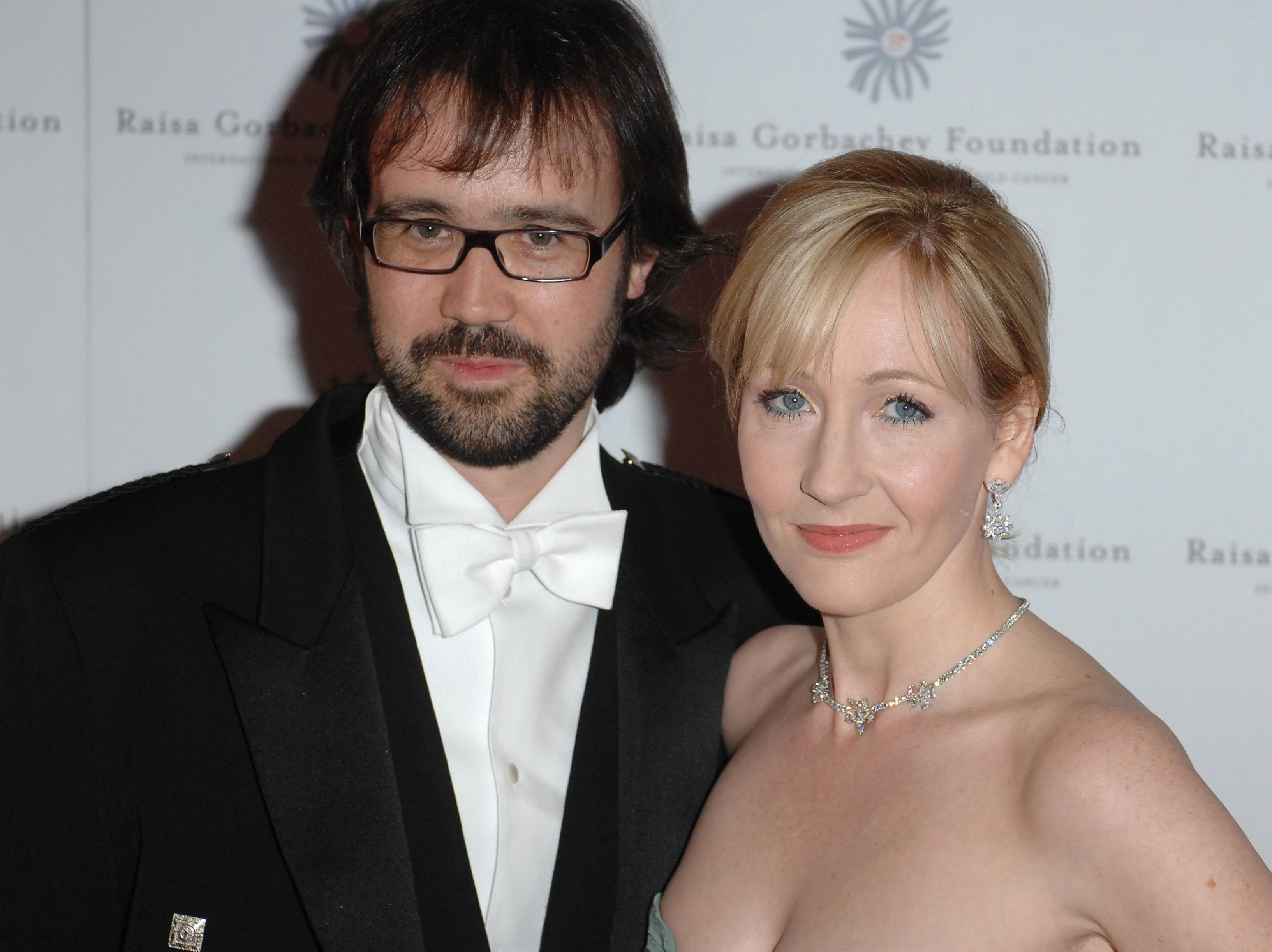 J.K. Rowling and Neil Murray Raisa Gorbachev Foundation Annual Gala Dinner at Hampton Court Palace - Arrivals London, England - 02.06.07  Featuring: J.K. Rowling and Neil Murray Where: London, United Kingdom When: 02 Jun 2007 Credit: Daniel Deme / WENN