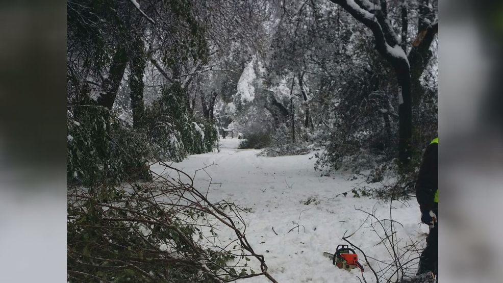 Families without power struggling in Shasta County