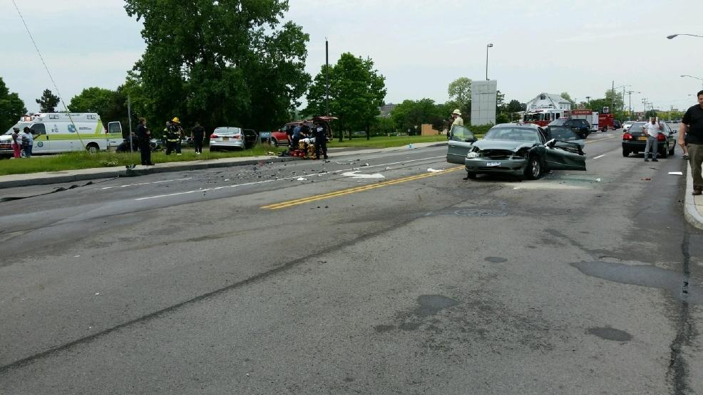 1 dead, 5 hurt in multi-vehicle crash in Irondequoit   WHAM