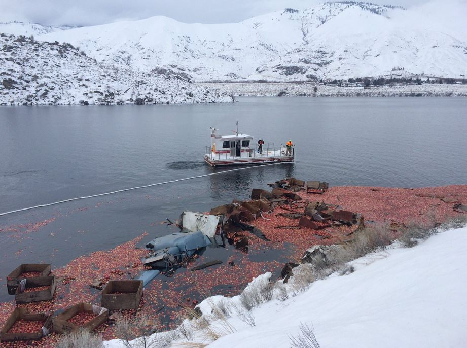 Truck carrying apples crashes into Columbia River. (Photo: Washington State Patrol)