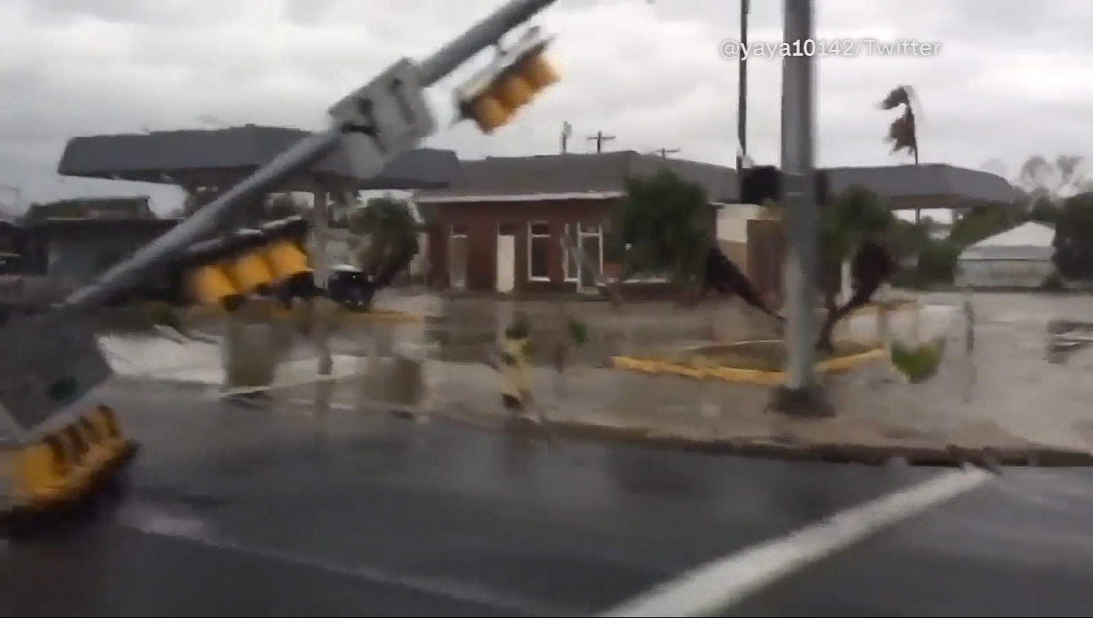 Trees and stop lights down in Corpus Christi (@yaya10142/Twitter/CNN)