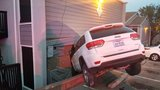 SUV slams into Southeast Austin apartment building