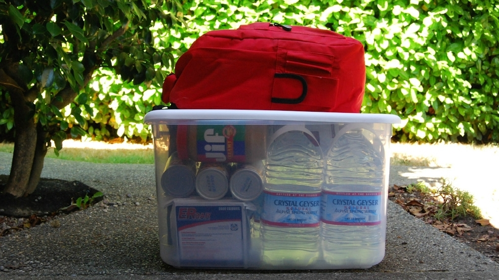 Prepare yourself and build a 72 hour disaster emergency survival kit prepare yourself and build a 72 hour disaster emergency survival kit solutioingenieria Gallery