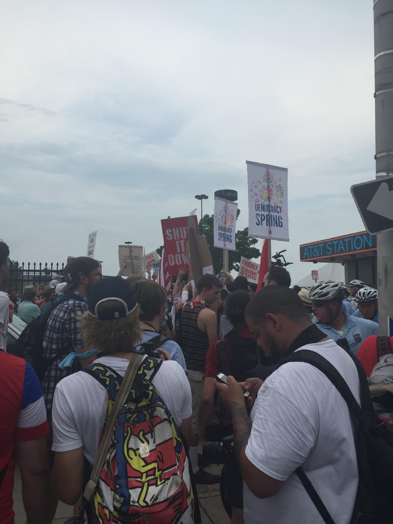 Protesters gather outside of the Democratic National Convention. (Amanda Ota, Sinclair Broadcast Group)