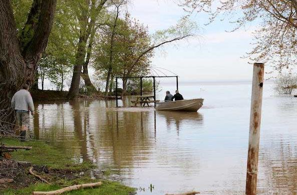 Bill and Elizabeth Carpenter took the lead in helping to rescue a floating gazebo this week along Lake Ontario. (Elizabeth Carpenter photo)