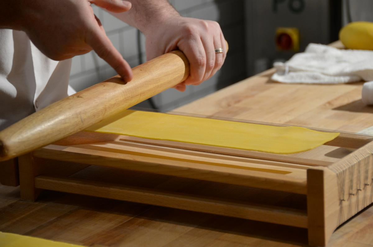 Chef Danny Combs of Sotto Restaurant teaching us how to make pasta dough (Image: Leah Zipperstein / Cincinnati Refined)
