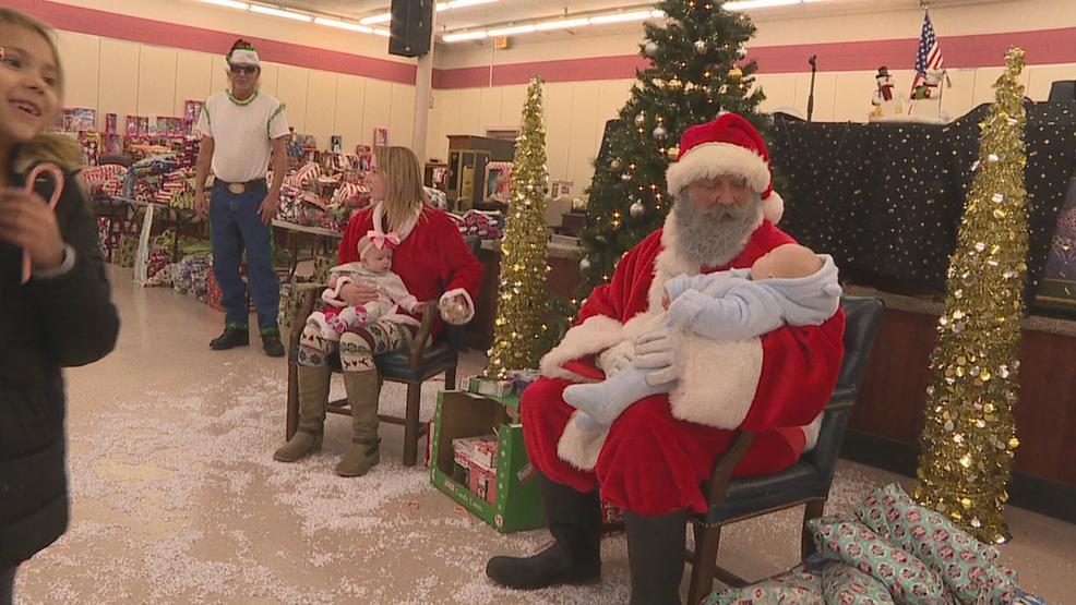 Christmas Gifts For Families.Dayton Auction Business Gives Christmas To Families In Need