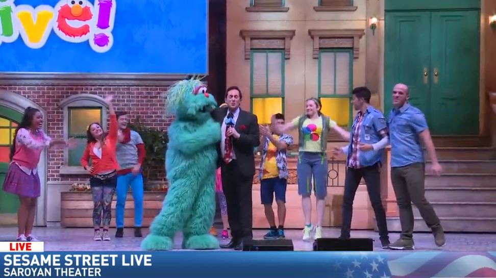 Jim hanging out with Rosita at Sesame Street Live<p></p>