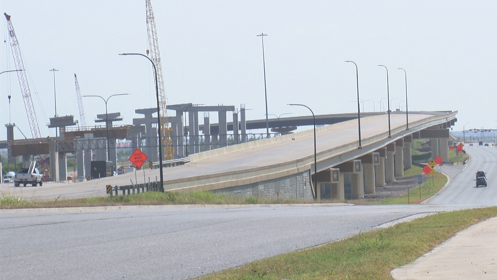 Chronic crash spot keeps closing down SH 130 toll road for