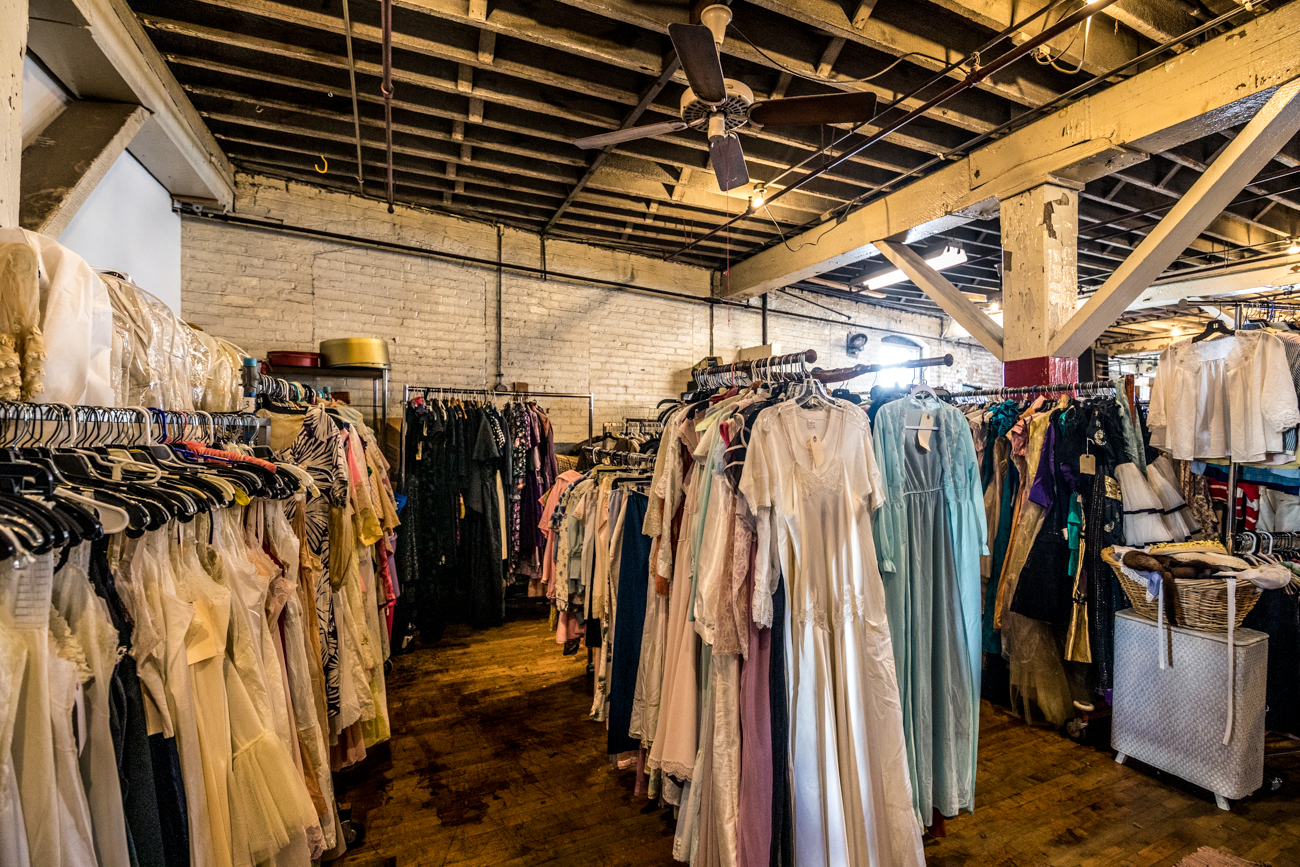 The warehouse is open daily, aside from Wednesday and Saturday, and by appointment only. You can contact Stu via phone at (513) 476-2333 or via email at StuVintageKingNizny@gmail.com to set up a visit. / Image: Catherine Viox // Published: 1.29.20