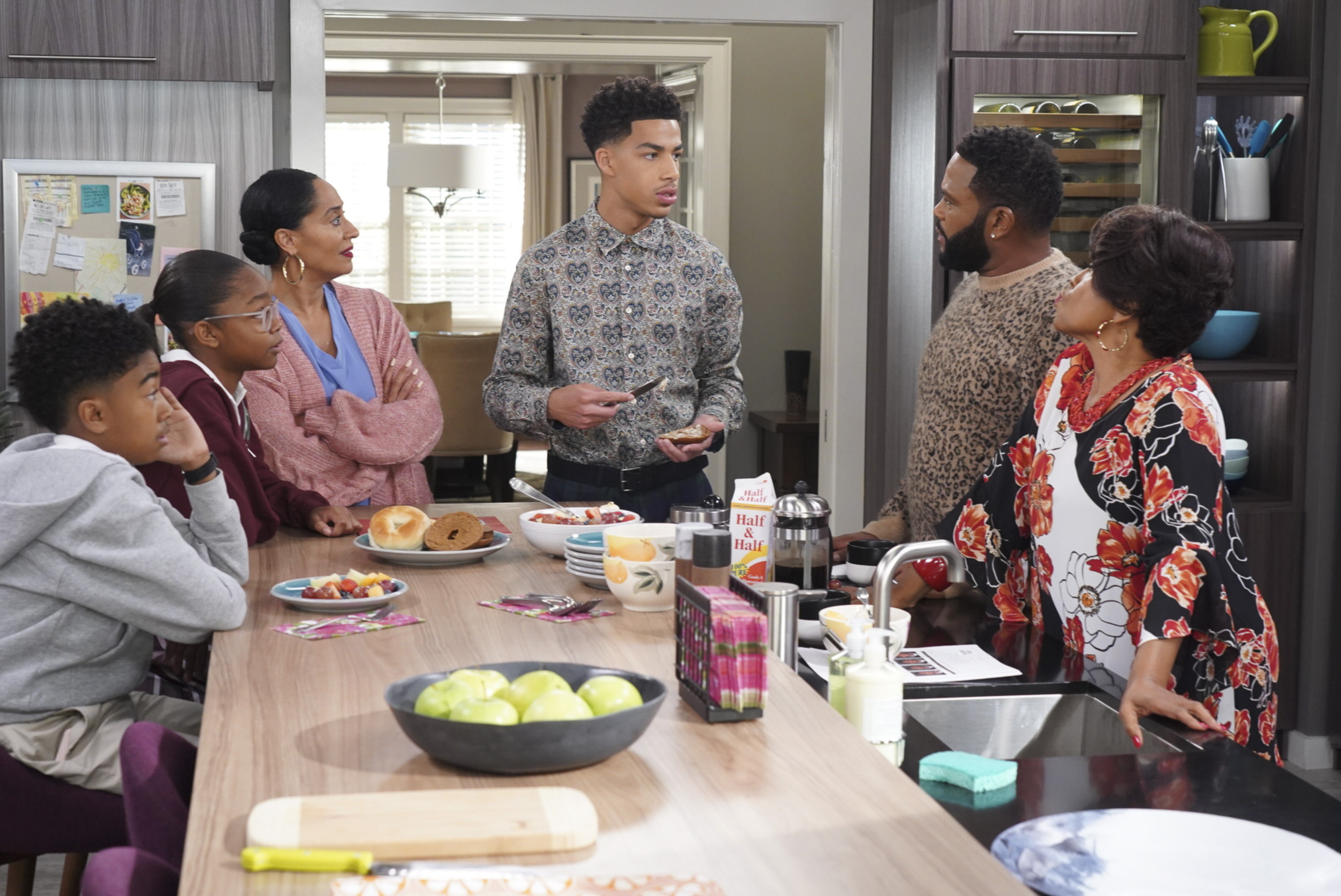 "This image released by ABC shows, from left, Miles Brown, Marsai Martin, Tracee Ellis Ross, Marcus Scribner, Anthony Anderson and Jenifer Lewis in a scene from ""black-ish."" (Ron Tom/ABC via AP)"