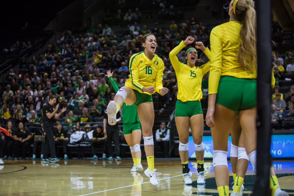 The Oregon volleyball team fell to the Colorado Buffaloes Friday night in five sets. This brings the Ducks to a 14-6 overall record on the season and 7-5 in Pac-12 play. The Ducks return to Matthew Knight Arena on November 17th to play Washington State. Photo by Dillon Vibes