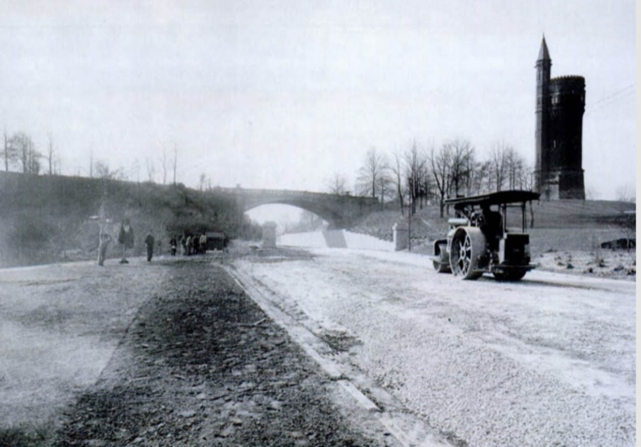 The Melan Arch Bridge leading from the Standpipe to the Eden Park Overlook was also completed in 1894. It was the first concrete arch bridge in Ohio and still stands sturdily today. / Image courtesy of Parks Bettman Library Archive // Published: 3.14.19