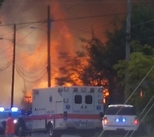 Fire at abandoned warehouse in Hartsville. (Photos: Jennifer Walker)